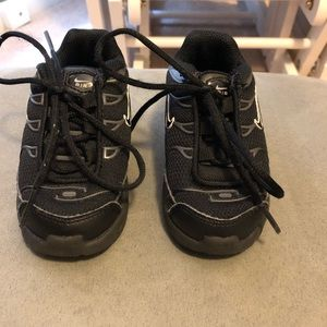 Nike Shoes - Toddler boys shoes. Size 6.
